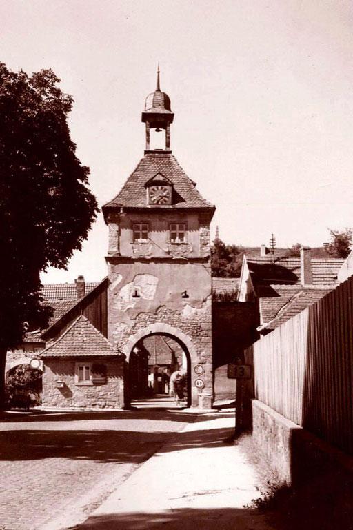das Stadttor von Sommerhausen vor seiner Renovierung