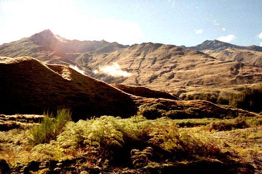 entlang des Skipper Canyons beeindruckende Fels-Formationen