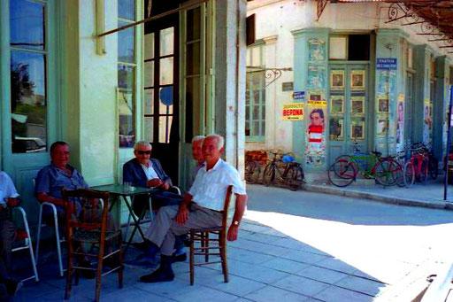 der persönliche Plausch bedeutet den Griechen sehr viel
