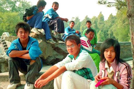 ruhig und interessiert wirken diese Schüler auch in den Ruhe-Pausen