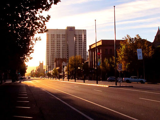Adelaide im morgentlichen Gegenlicht