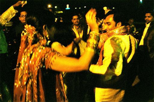 jeder Gast wurde vom Bräutigam tanzend begrüsst
