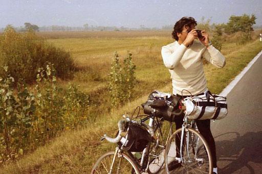Max beim photographieren der Landschaft