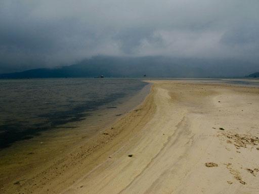 eine grau lavierte Landschafts-Impression