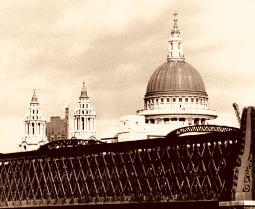 die Kuppel-Silouette der St. Pauls-Chathedrale