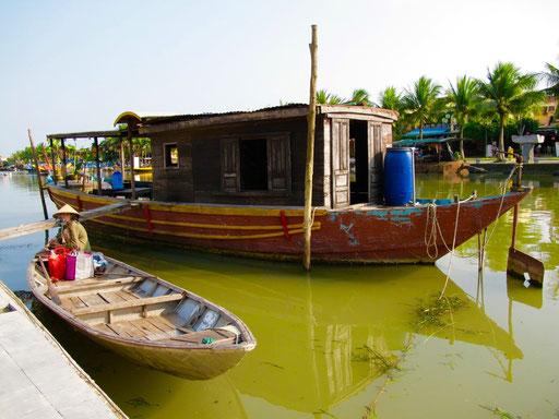 ein Hausboot mit viel Charme