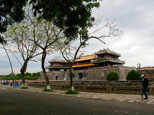 der ehemalige Kaiser-Palast von Hue, eine mächtige Anlage
