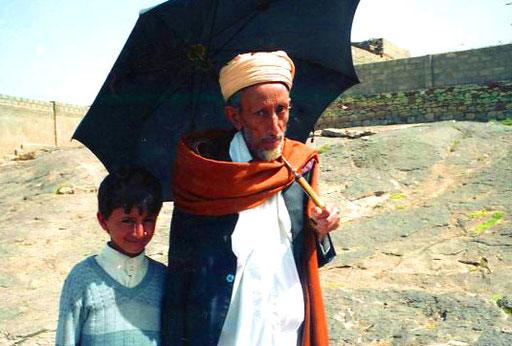 ein Patriarch mit seinem Sohn
