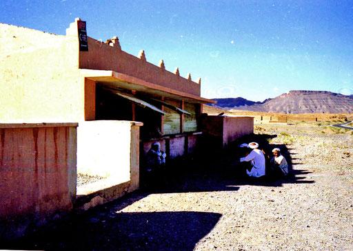 malerisch das Gasthaus auf der Pass-Höhe