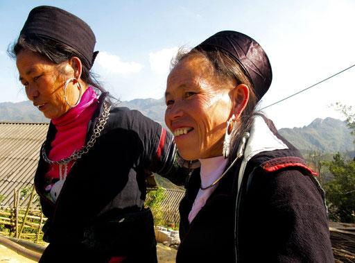 Freundlich und selbstbewußt begegneten mir diese Tay Frauen