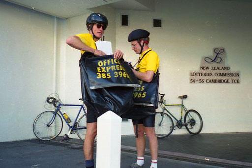 Bike-Kuriere erledigten die schnelle Post zwischen den Büros