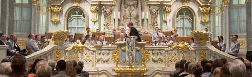 30.04.2014 Dresdner Frauenkirche, Militärmusiker in Uniformen tun etwas Gutes für das Image der Bundeswehr in der Öffentlichkeit.