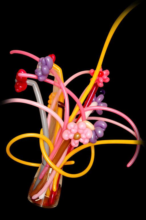 "sculpture de ballons ""bouquet de fleurs""  en 2 ballons 260Q"