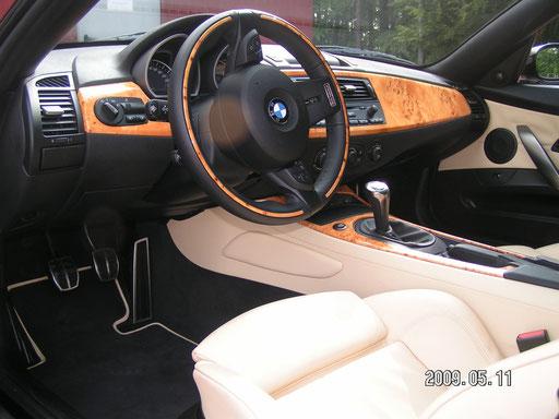Armaturentafel BMW Z4 Individual Edition mit Wurzelholz
