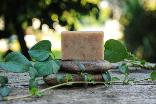 jabón de propoleo-cosmética natural ecológica