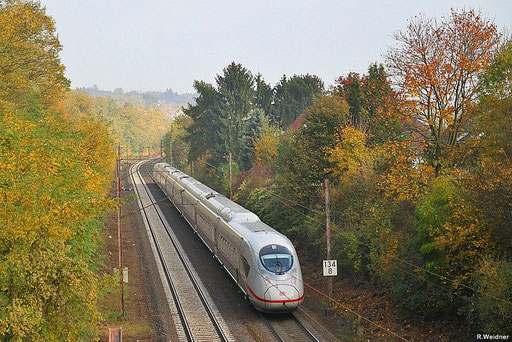 """ICE 3 """" Velaro""""  407 009 auf Messfahrt  , im herbstlichen Sulzbachtal, nach Türkismühle, Nachschuss zwischen Dudweiler und Sulzbach 24.10.2012"""