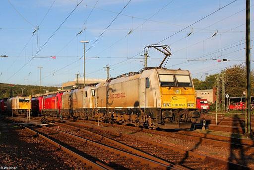 die letzten Sonnenstrahlen am letzten Tag vom September 2012, ECR 186 165 wartet im Bh Saarbrücken auf neue Aufgaben