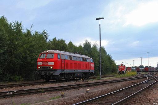 Vorserien 218 011, die im Jahr 2005 zur Railion Deutschlan AG wechselte und zur 225 811 umgezeichnet wurde, in Einsiedlerhof am 31.08.2012