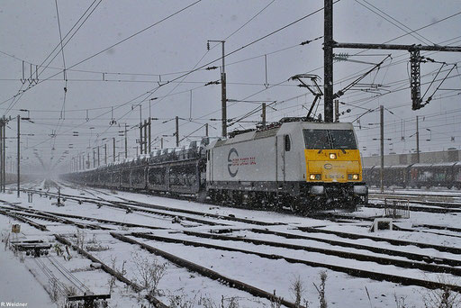 ECR 186 161 mit GEFCO Autotransportzug GA 98814 (ex.48298) Trnava - Gevrey im verscheitem Forbach, 03.12.2012