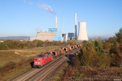 Sonntagmorgen nach der Zeitumstellung von Sommer- auf Winterzeit am KW Ensdorf, 140 850 mit Flüssigeisenzug GM 61826 Dillingen Hü - Völklingen, 28.10.2012