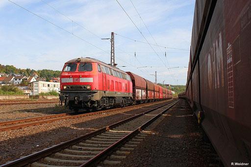 """noch wird das KW """"Weiher"""" in Göttelborn mit heimischer Steinkohle aus dem Kohlelager """"Mellin""""  beliefert, 218 002 mit GM 62442 Sulzbach - Göttelborn  06.10.12 in Sulzbach"""
