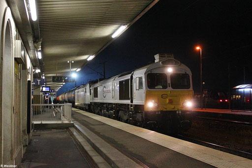 Forbach/F 12.11.2012 21:45 Uhr Bahnsteig 1, ECR 77 008 und geschleppt ECR 186 180 mit GC 49241 Dunkerque - Dormagen, beladene Gaskesselwagen