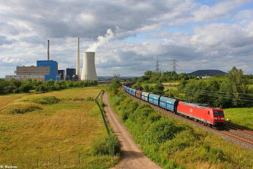 """bei einem kurzen Wolkenloch am Kohle- Kraftwerk in Ensdorf konnte 185 019 mit einem PKP """"Koksleerzug""""  GM 49633 Dillingen Hütte - Cottbus erlegt werden 17.07.12"""