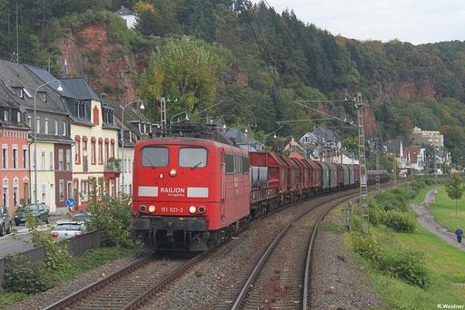 """151 021 mit """"Coil-Zug"""" GM 49563 (La Louvière - Cent) Aachen West Pbf - Dillingen(Saar) auf der Trierer Weststrecke eine Umgehungbahn des Bahnknoten Trier, 18.10.2012"""