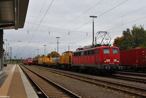 EBM Cargo 140 003 und SGL 203 158 mi Kirow-Eisenbahnkran am 16.10. Einsiedlerhof