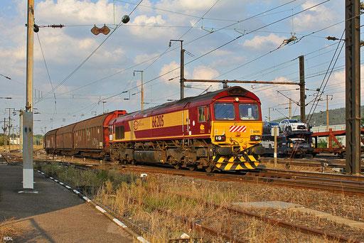 """in der Abendsonne verlässt die recht saubere ECR 66205 mit """"Boschzug"""" EZ 47253 den Grenzbahnhof Forbach/F ins tiete Frankreich, 09.09.2012"""