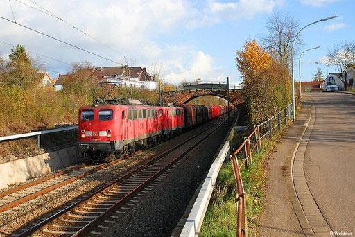 Mit dem baldigem EVU-Wechsel im Kohleverkehr nach Göttelborn wird sich diese Baureihe auch im Saarland vor schweren Kohlezügenmachen rar machen, aber noch ist es nicht so weit . DT 140 861 + 799 mit GM 49468 Göttelborn - Oberhausen West Orm Burbach6.11.12