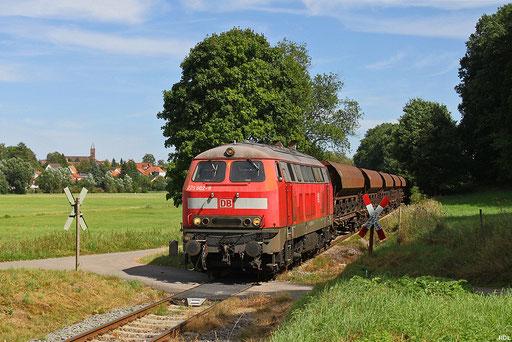 von Juni bis November verkehrten von Eisiedlerhof zusätzliche Schotterzüge zum Steinbruch Rammelsbach in der Westpfalz, 225 802 mit EK 55902 bei Steinwenden an der KBS 671 Landstuhl - Kusel am 22.08.2012
