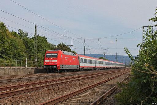 101 105 mit IC 118 Salzburg Hbf - Münster(Westf) Hbf am Abzweig Mannheim-Friedrichsfeld Süd, 14.08.2012