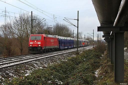 """185 285 mit der nur bei Bedarf verkehrenden Übergabe EK 55980 von Saarbrücken Rbf nach Fürstenhausen mit """"Fordneuwagen"""" für Firma MOSOLF in Überherrn , 10.12.2012"""