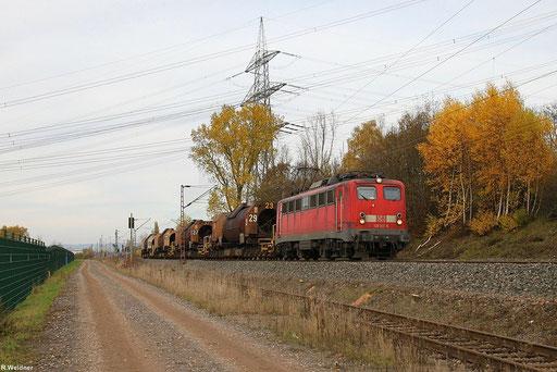 eine der letzten noch im aktiven Dienst dieser Baureihe bei DB Schenker Rail ist die 139 311,  mit beladenem Flüssigeisenzug GM 61830 SDLHH - SVL am KW Ensdorf 09.11.12