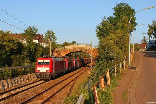 186 321 mit dem stark verspäteten GM 49468 Göttelborn - Oberhausen West und noch dabei  die beiden Zugloks 140 815 + 140 801 die ab Ensdorf übernehmen, Burbach 09.08.