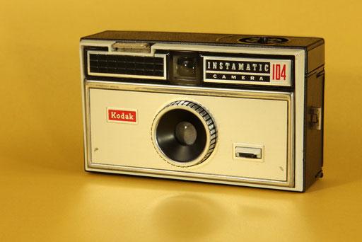 KODAK Instamatic 104  ©  engel-art.ch
