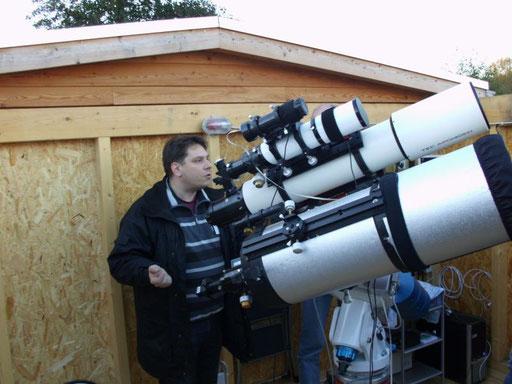 Zum Ende hin bei besten Wetter Besichtigung von Michael's geräumiger Sternwarte....Michael führte später noch die Flea von Point Grey vor.