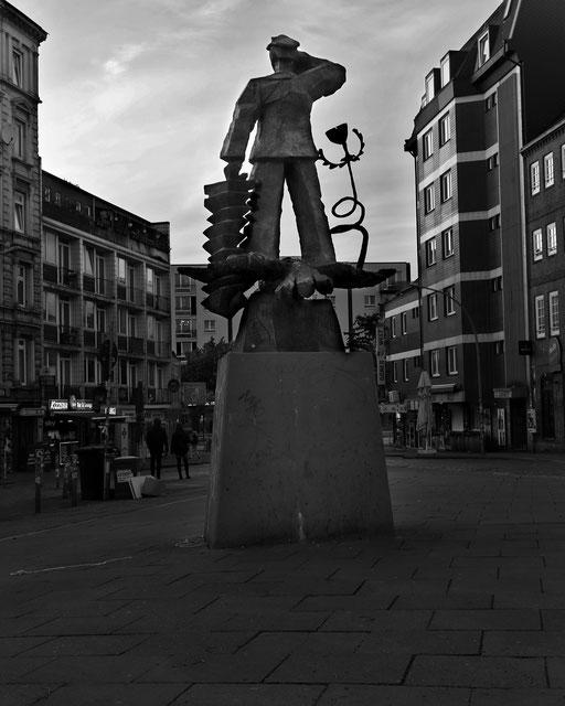 Zu Befehl  - Hans Albers Platz © Andreas Muenchbach