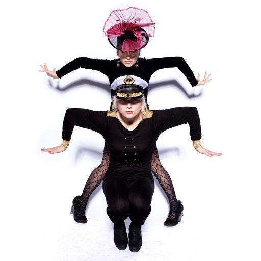 Maike & Gabriela / Dancer, Artists © Andreas Muenchbach