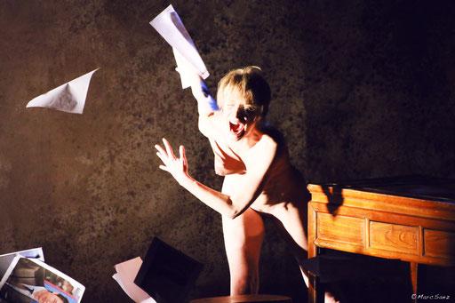 Véronique Picciotto  dans À NU adaptation et Mise en scène Marc SAEZ au Vingtième théâtre