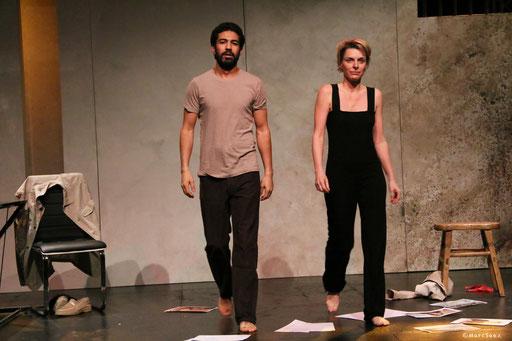 Helmi Dridi et Véronique Picciotto dans À NU adaptation et Mise en scène Marc SAEZ au Vingtième théâtre