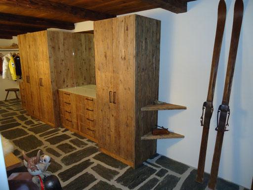 Garderobe aus fichten altholz for Garderobe altholz