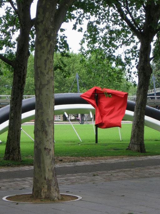 Last Dance. 3 Strukturen, Drehung in Intervallen, Parc de la Villette, Paris 2006