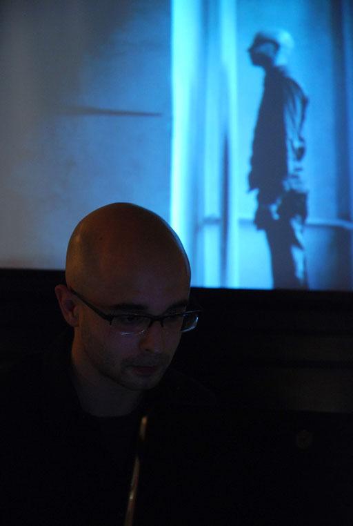 Tom Gräbe und Mark Hornbogen. Electro und Visuals (foto: marion neumann)