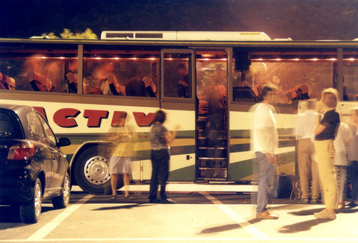 "Filmstill aus ""Statiorama – a video catalog of gas stations in Europe"", Gilles Delalex, 2003"