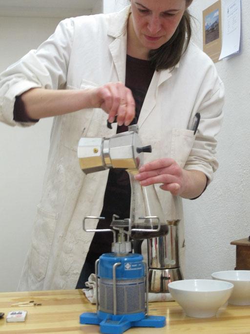 DR. VAU. Das Institut dankt P. Müller für die Ausstattung des Laboratoriums.