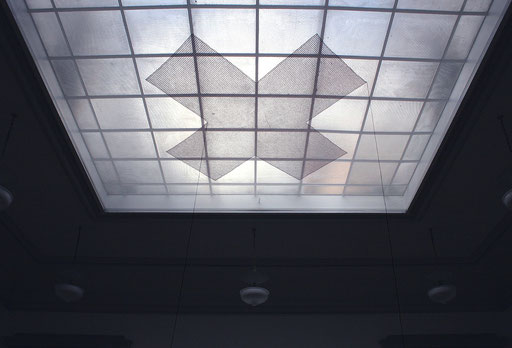 x. Salle Crosnier du Palais de l'Athénée, Broderie, Genève 2005 (foto: laura sanna)