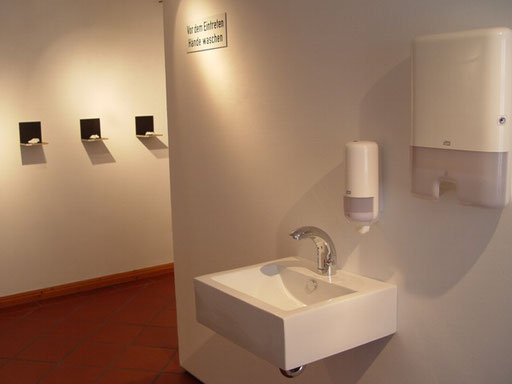 "Bild:"":LINZ"" Ausstellungsansicht Mieming 2014"