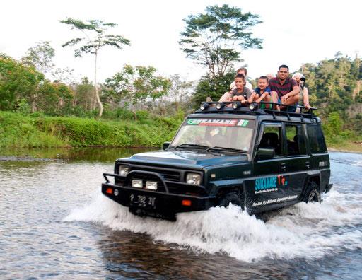Avontuurlijke tocht per jeep naar Sukamade